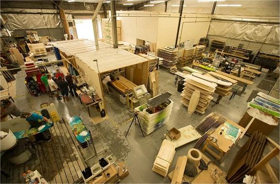 Producción de Kiteboard en Slingshot USA